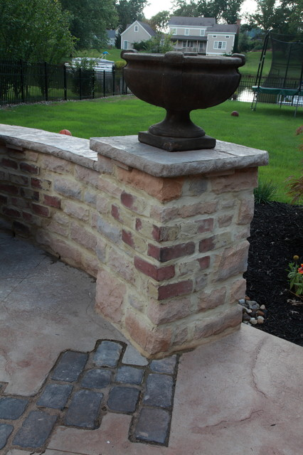 Stamped Concrete Kitchens : Stamped concrete outdoor kitchen with paver inlays