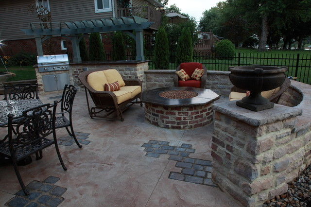 Stamped Concrete Outdoor Kitchen With Paver Inlays Traditional Patio