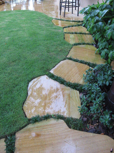 Stepping stone walkway in lighthouse point florida - Stepping stones for walkways ...