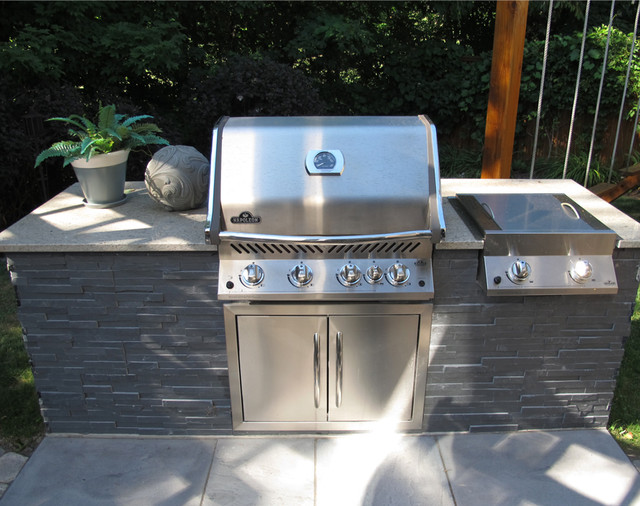Stone Veneer Outdoor Grill Kitchen - Traditional - Patio ...