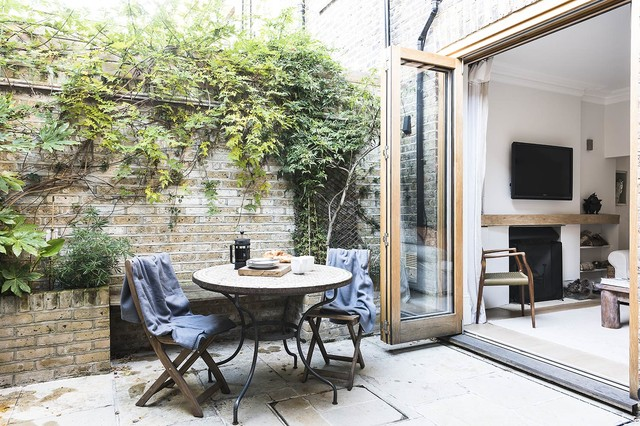 Stylish Scandy Style Garden Apartment In Chelsea