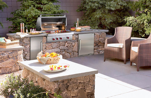 Sub-Zero Wolf Outdoor Kitchen - Contemporary - Patio - New York - by ...