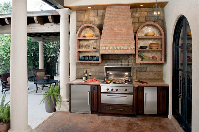Sub-Zero Wolf Outdoor Kitchen contemporary-patio