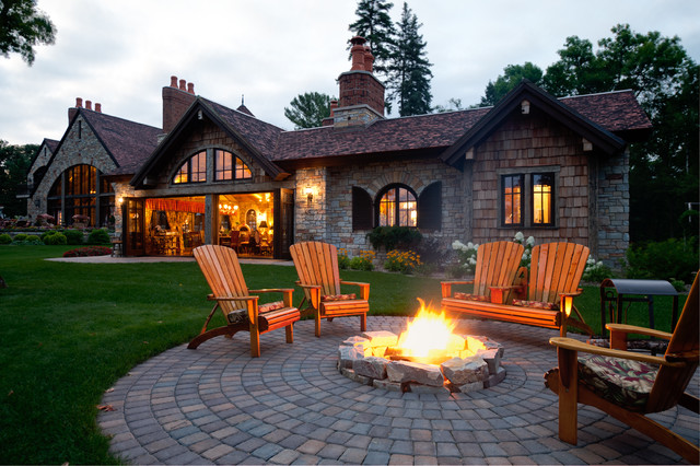 Summer Kitchen traditional-patio