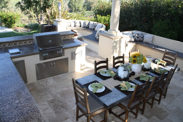 Sunken outdoor kitchen and dining room mediterranean for Outdoor kitchen and dining