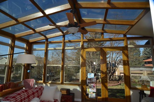 Sunrooms patios for Piani di casa con portici schermati e sunrooms