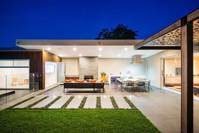 Queen street project contemporary courtyard for Courtyard landscaping melbourne