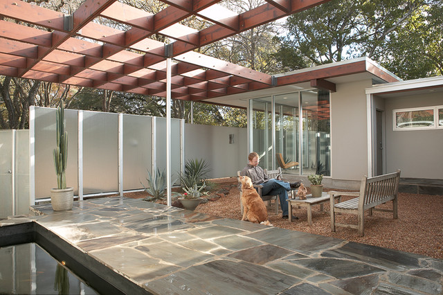 Tarrytown Residence Midcentury Patio austin by