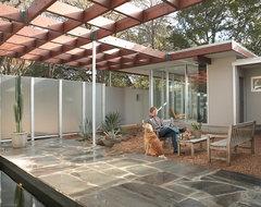 Tarrytown Residence midcentury-patio