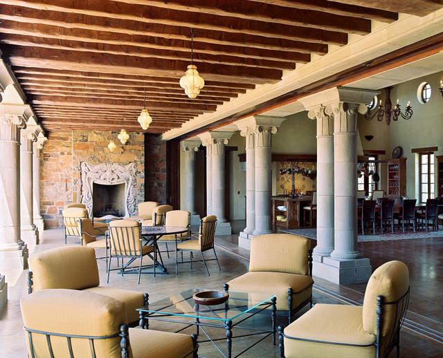 Taylor Lombardo Architects mediterranean-patio