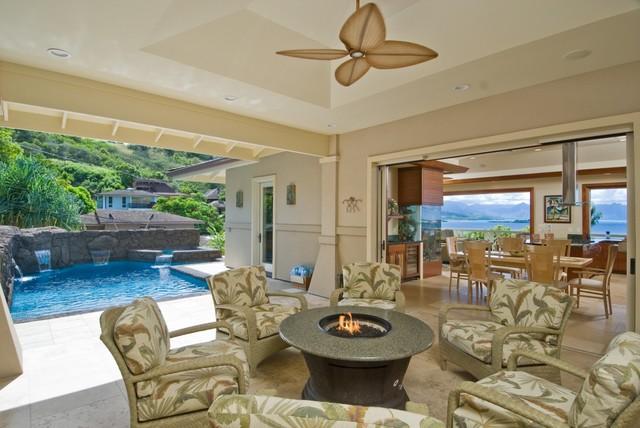 The bay house tropical patio hawaii by archipelago for Archipelago hawaii luxury home designs