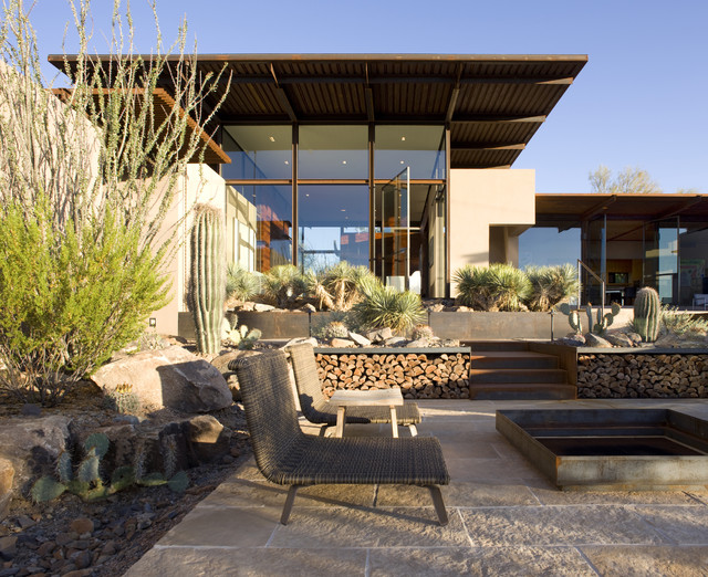 The Brown Residence modern patio