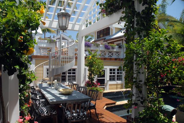 Naples, Florida traditional-patio