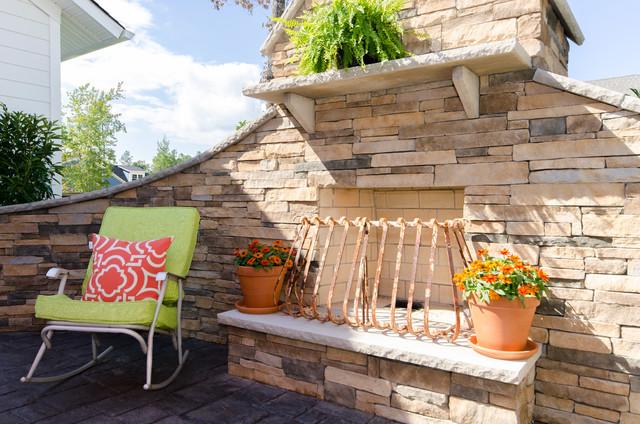 The Maple farmhouse-patio