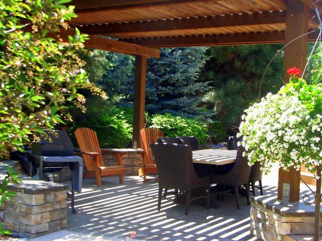 The Woods at Riverside Village Residence modern-patio