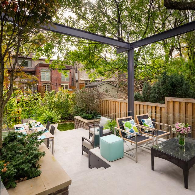 Patio Contemporain: Tiered Contemporary Urban Garden