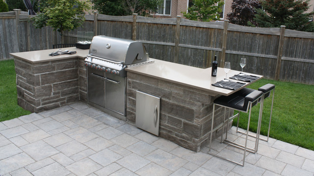 Toronto Projects Traditional Patio