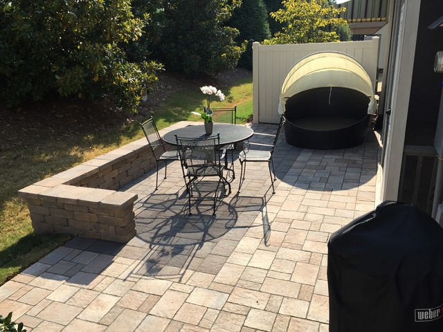 Townhome Patio In Cary Nc Traditional Patio Raleigh