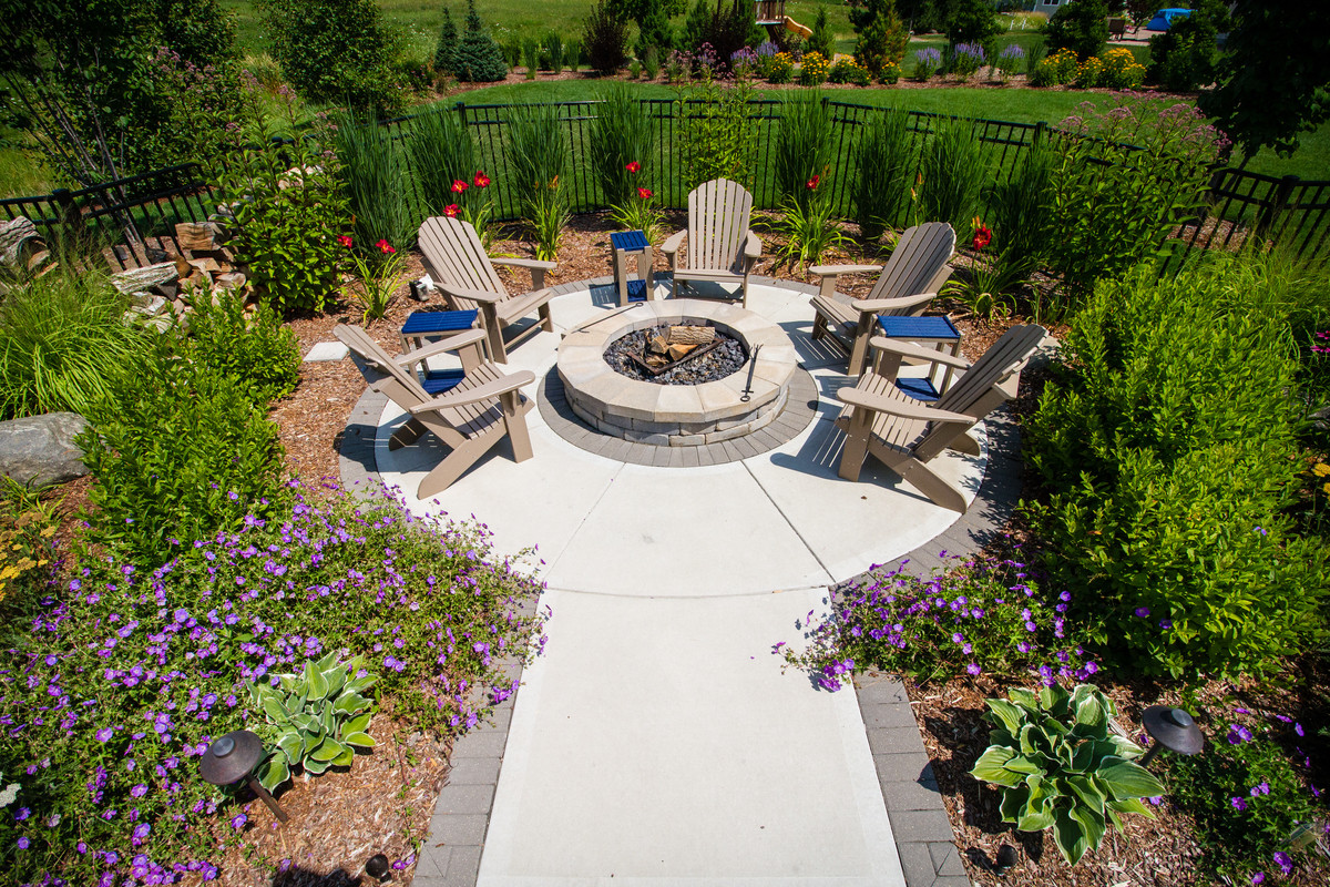 Traditional Fire Pit - Cedarburg
