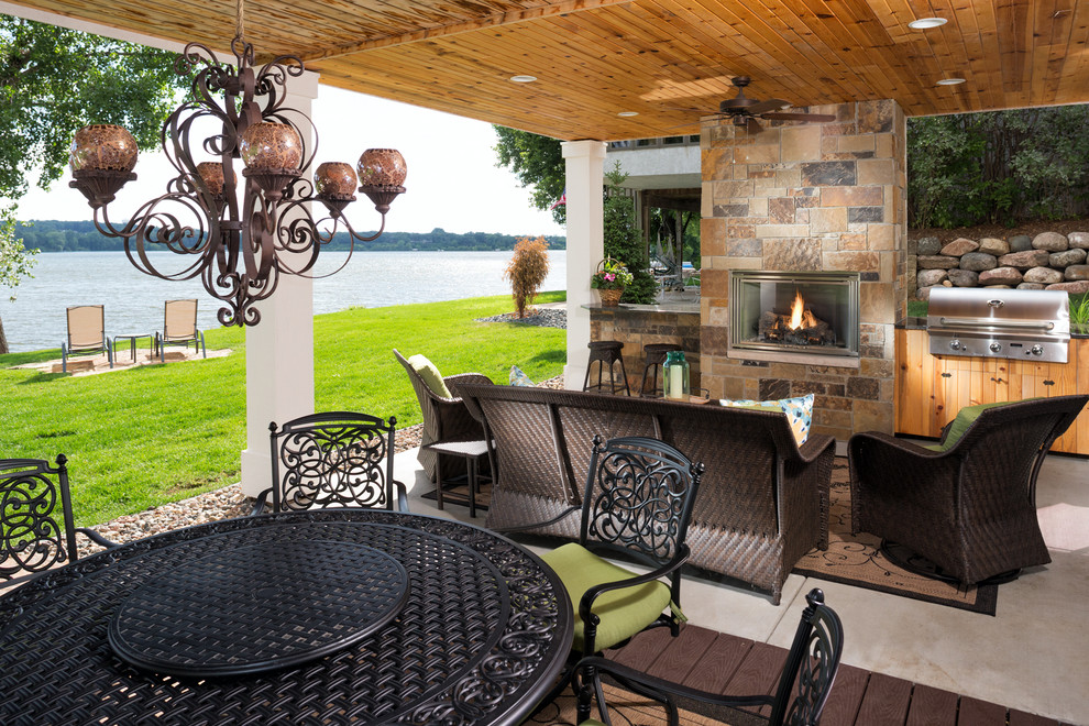 Inspiration for a timeless patio remodel in Minneapolis