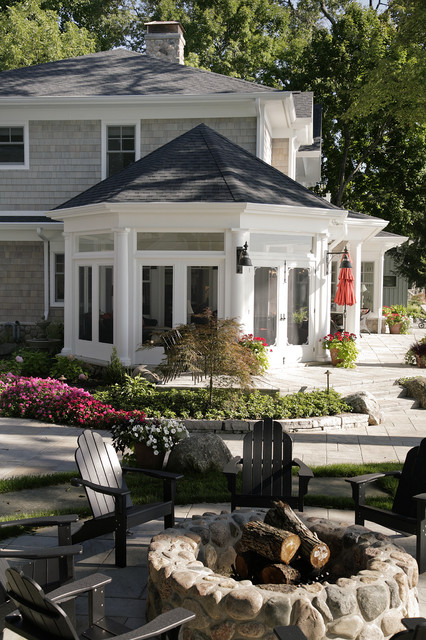 Lakefront Elevation traditional-patio