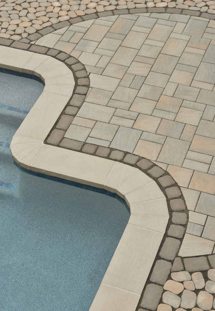 Inspiration for a timeless backyard concrete paver patio remodel in Philadelphia