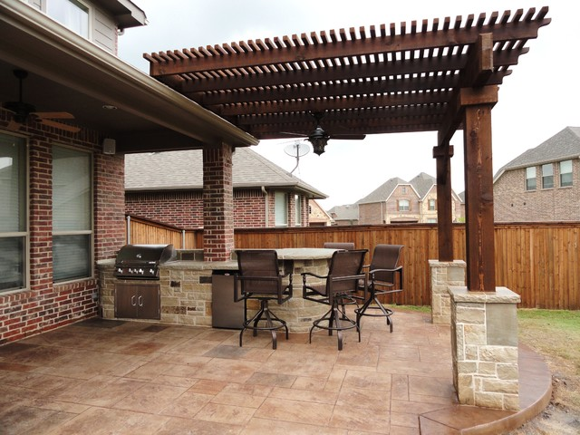 Trophy club tx traditional patio dallas by dallas for Dallas outdoor kitchens