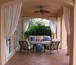 Patio in Palm Beach County, Florida tropical-patio