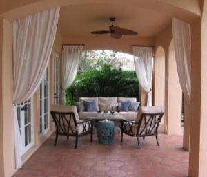 Patio in Palm Beach County, Florida tropical-patio