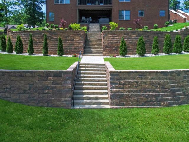 Two Tier Retaining Wall Traditional, Patio Retaining Wall Ideas Uk
