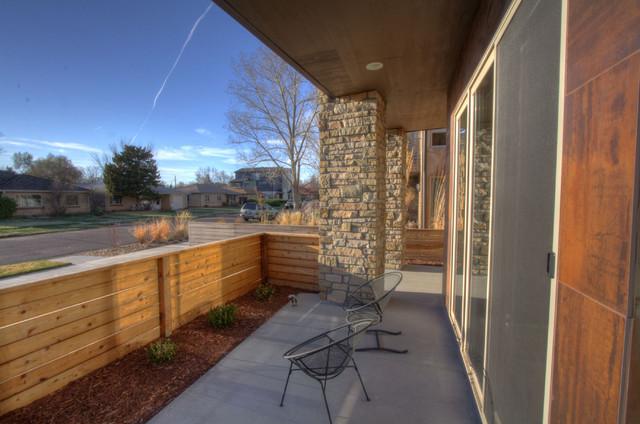 UnrealConstruction, LLC contemporary-patio