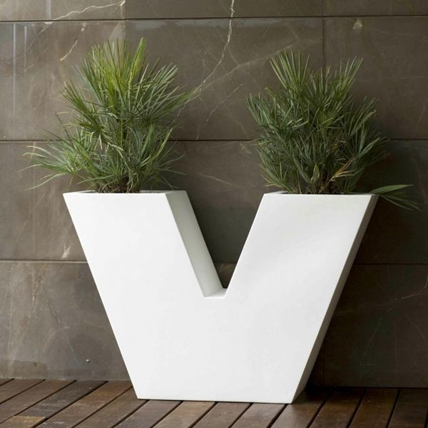 Uve outdoor planter contemporary outdoor pots and planters