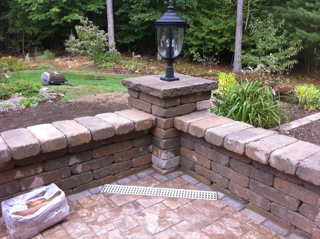 Venetian Paver Patio with Wall Traditional Patio