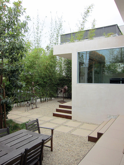 Venice Transformation modern-patio