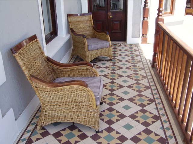 Covered patio winckelmans victorian tile traditional for Edwardian tiles for porch
