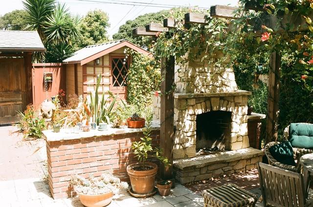 Vernon Residence rustic-patio