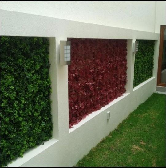 Vertical garden wall outdoor art artificial hedge for Vertical garden panels