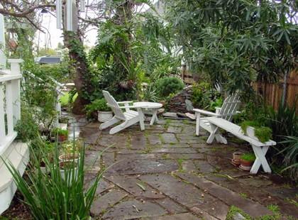 Victoria traditional-patio