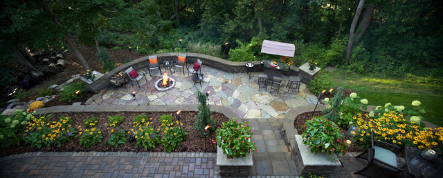 A Hillside Landscape contemporary patio