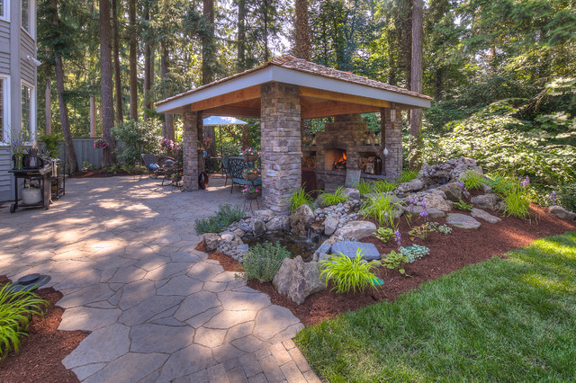Vike traditional patio portland by paradise for Paradise restored landscaping exterior design