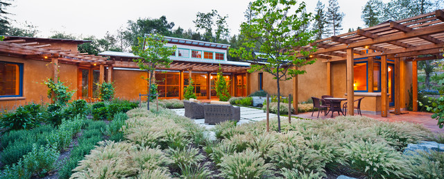 Vine Hill Road Straw Bale Residence contemporary-patio