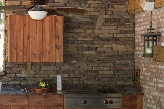 Walnut Ledge Stone Kitchen Back Splash Traditional Patio