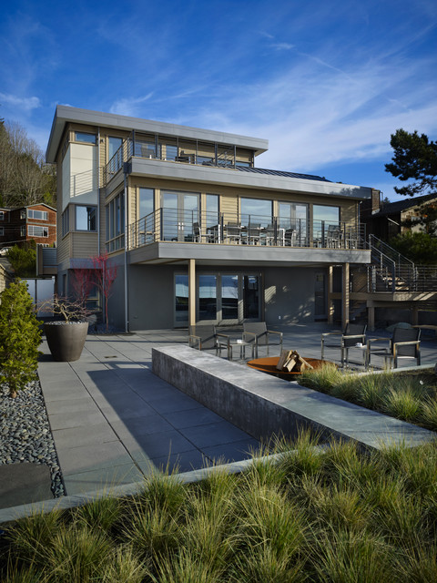 Waterfront Residence contemporary-patio