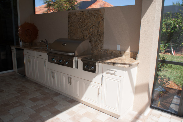 Weatherproof Polymer Cabinetry In Southwest Floridaoutdoor Kitchen Naples Fl Modern Patio