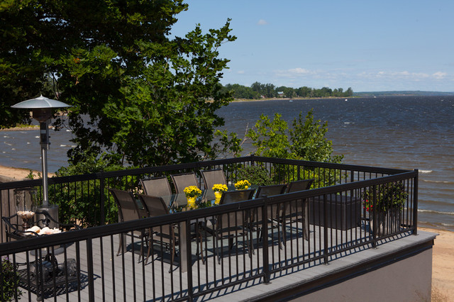 West-End on the Ottawa River contemporary-patio