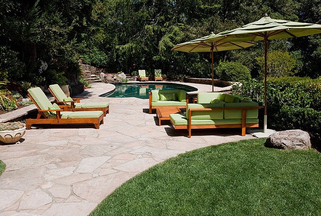 WHIMSICAL GARDEN traditional-patio