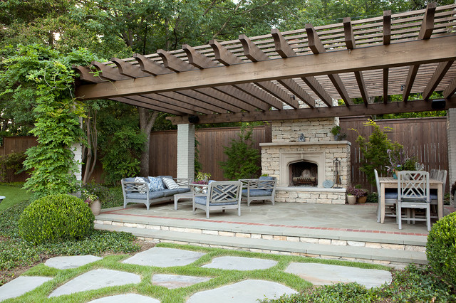 Patio   Traditional Patio Idea In Dallas With A Fire Pit And A Pergola