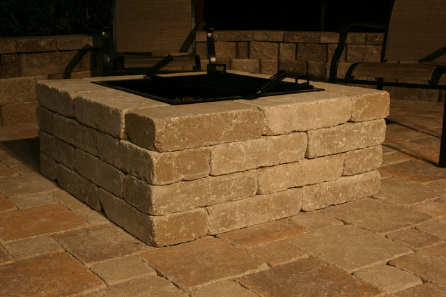 Whiz Qu0027s Pavestone Fire Pit Traditional Patio