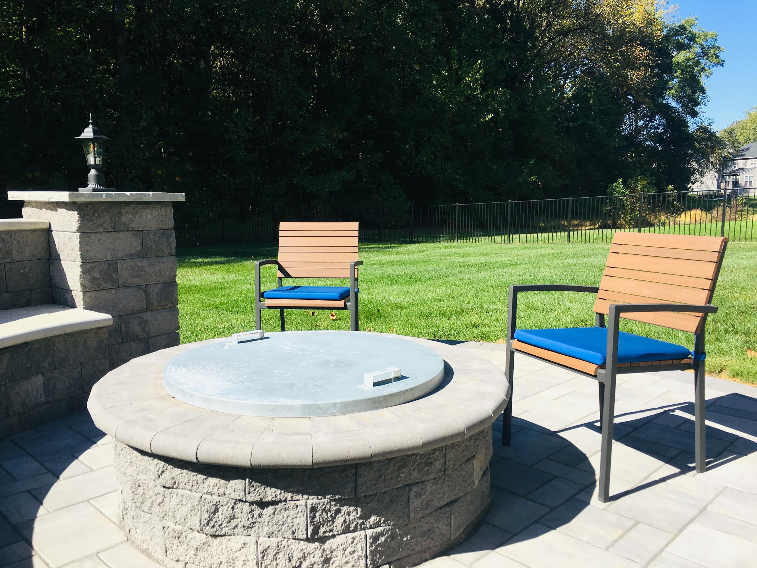 Wilson Grove - Ro - Custom Seat Wall
