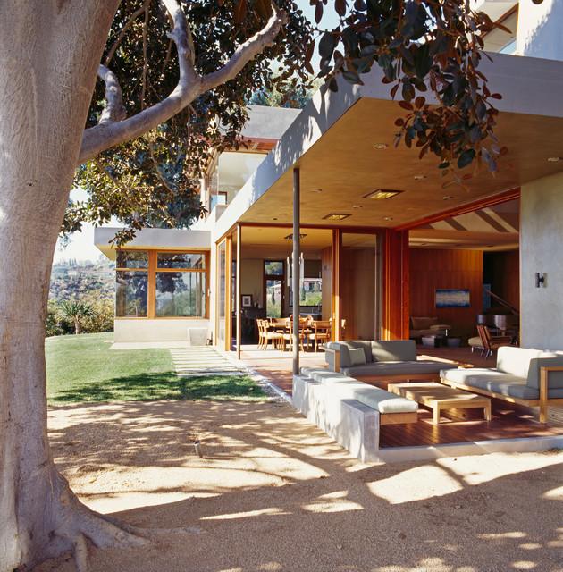 Winebaum Residence modern-patio